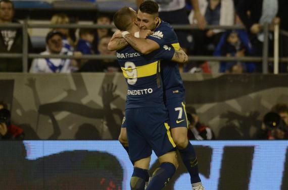Boca impuso su jerarquía en Liniers, aplastó a Vélez y es líder